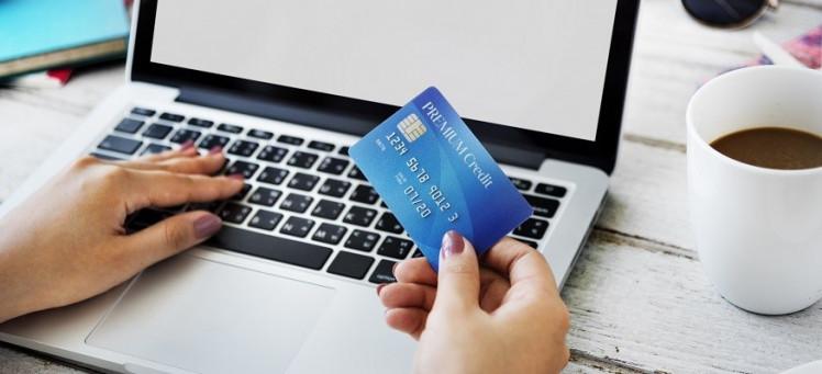 Неименные кредитные карты: зачем они нужны?